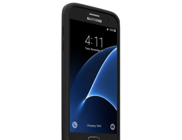 Samsung Galaxy S7 with Mophie wireless rechargeable case